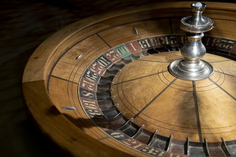 Showing Old Antique Roulette Table